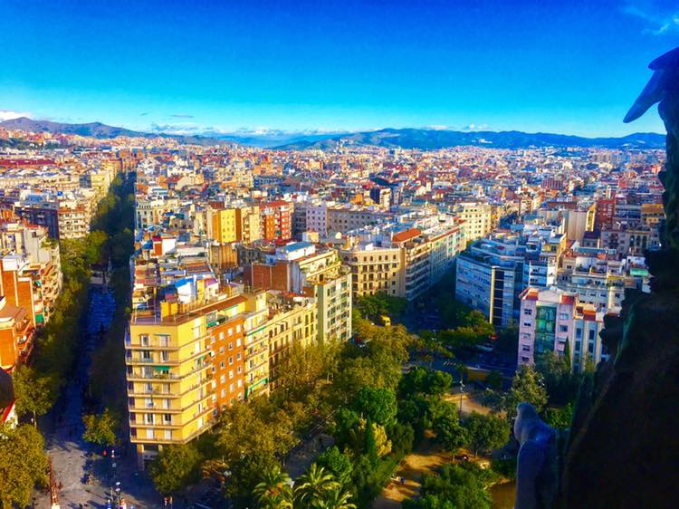 Hitchhiker's Guide: Barcelona, Spain